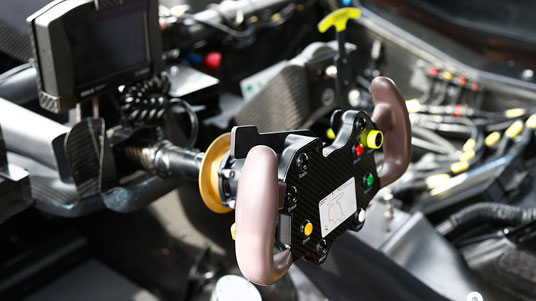 DTM _technik_cockpit_562x316