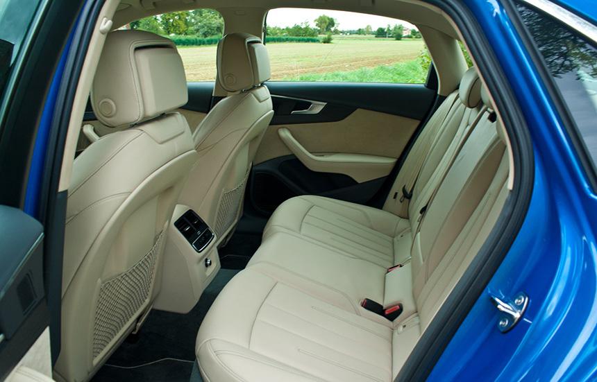 Audi A4 tylna kanapa