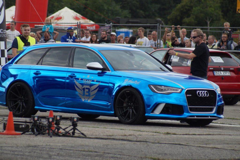 Audi RS6 vs Aston Martin Drag Race
