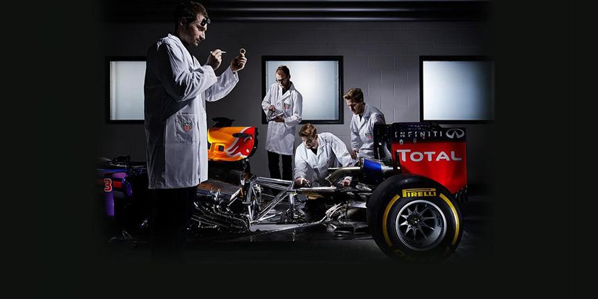 Red Bull z silnikami TAG Heuer