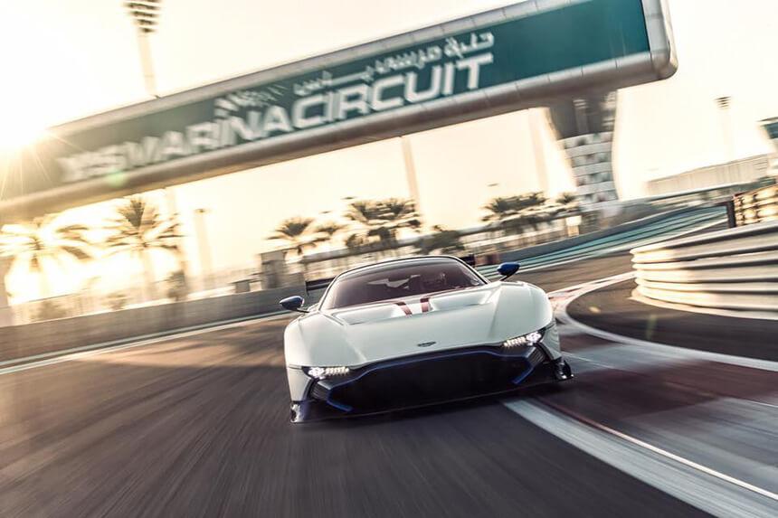 Aston Martin Vulcan na Yas Marina