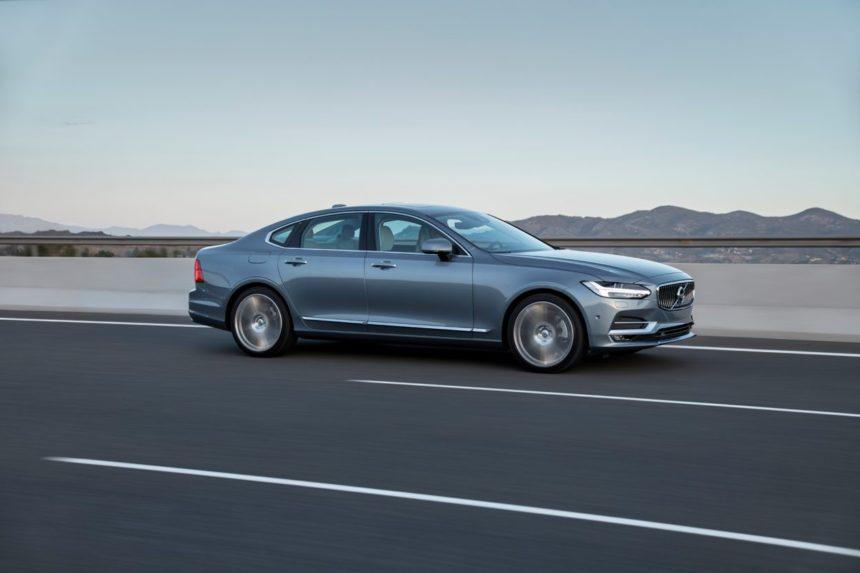 Consierge przyjedzie zatankować samochód: rewolucyjna usługa Volvo.