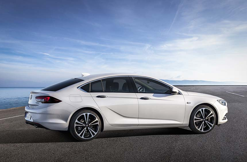Opel Insignia Grand Sport - debiut w kwietniu 2017