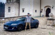 Pasja na krawędzi: Bartek Ostałowski testuje Jaguara XKR z potężnym V8