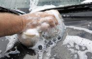 Jak i czym skutecznie umyć samochód?