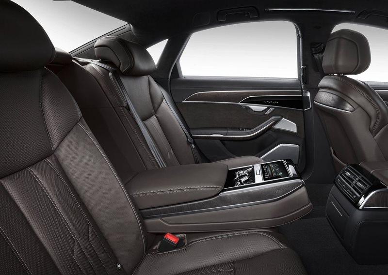 Luksusowe limuzyny - wnętrze Audi A8