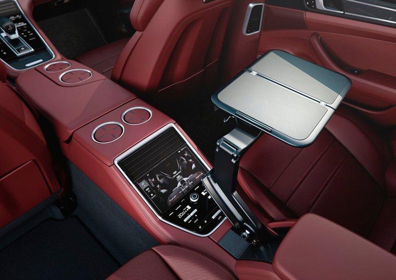 luksusowa limuzyna - wnętrze Porsche Panamera