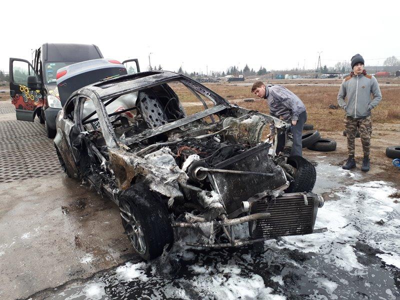 Bartka Ostałowski - Spalony samochód marki BMW