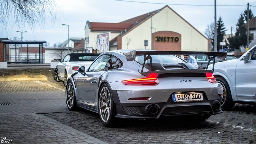 991 GT2 RS Weissach Package