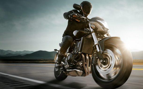 Tekstylne spodnie motocyklowe –jak wybrać odpowiedni model do jazdy?
