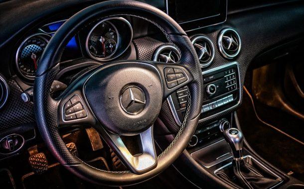 Wyprzedaże aut - czyli kiedy kupić auto taniej?